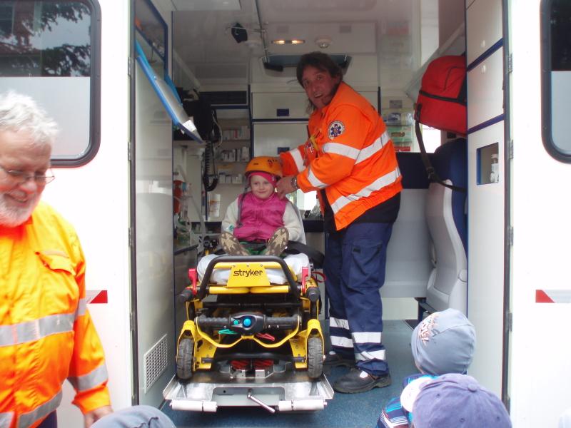 Návštěva záchranné služby MK 14. 4. 2016